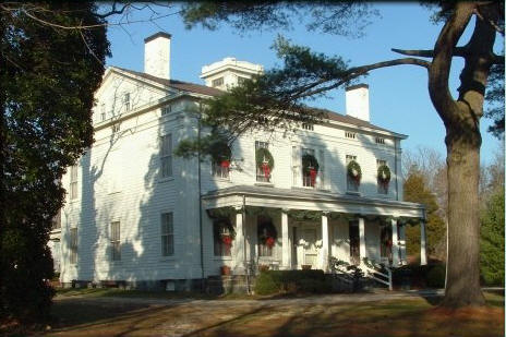 Deepwells Mansion Decorated for the Holidays